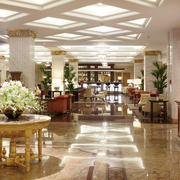Foto scattata a Radisson Royal Hotel da Radisson Royal Hotel il 3/12/2014