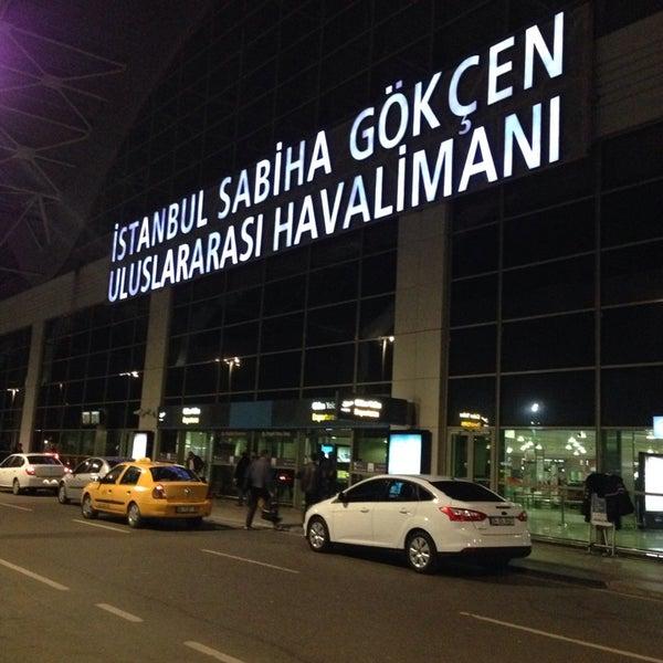 Снимок сделан в Аэропорт Стамбул им. Сабихи Гёкчен (SAW) пользователем Ebru 10/20/2013
