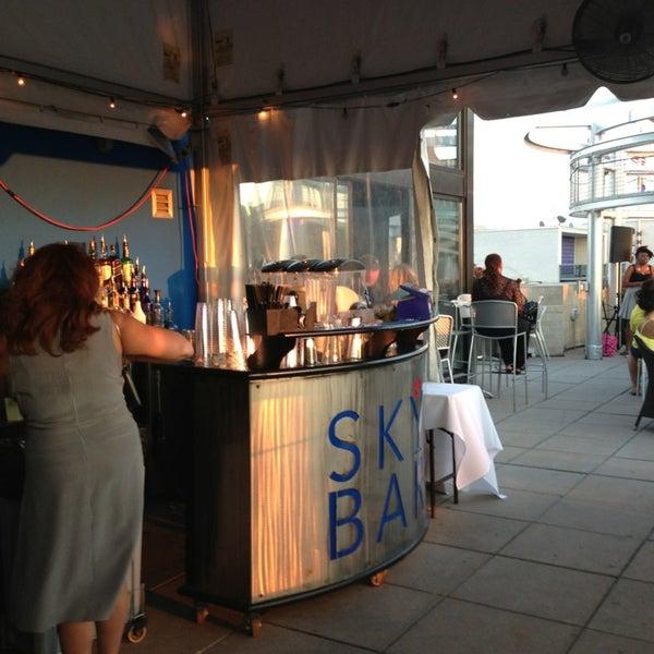9/5/2013에 Channin G.님이 Beacon Sky Bar에서 찍은 사진