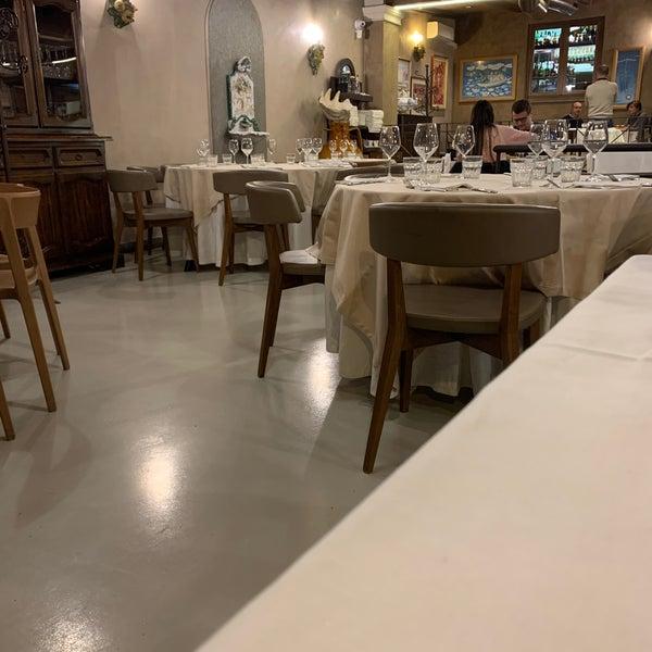 รูปภาพถ่ายที่ Catullo - Ristorante Pizzeria โดย Abdullah N. เมื่อ 10/30/2019