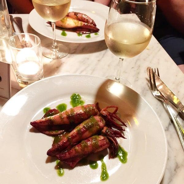 Foto tomada en OAK Restaurant & Wine Bar por Cheryl C. el 8/12/2015