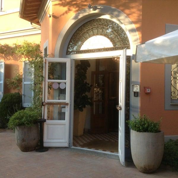 Das Foto wurde bei Hotel Vannucci von Valeri S. am 8/10/2013 aufgenommen