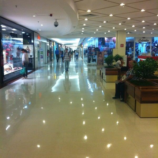 Das Foto wurde bei Shopping Iguatemi von Gustavo B. am 2/28/2013 aufgenommen