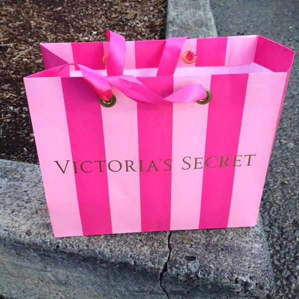 a88a2833a6d Victoria s Secret PINK - Lingerie Store in VANCOUVER