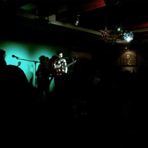 Das Foto wurde bei La Penca: Música + Mezcal von Teresa R. am 3/2/2013 aufgenommen