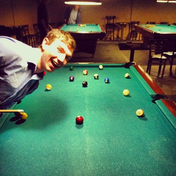 Das Foto wurde bei Melrose Billiard Parlor von John am 10/25/2013 aufgenommen