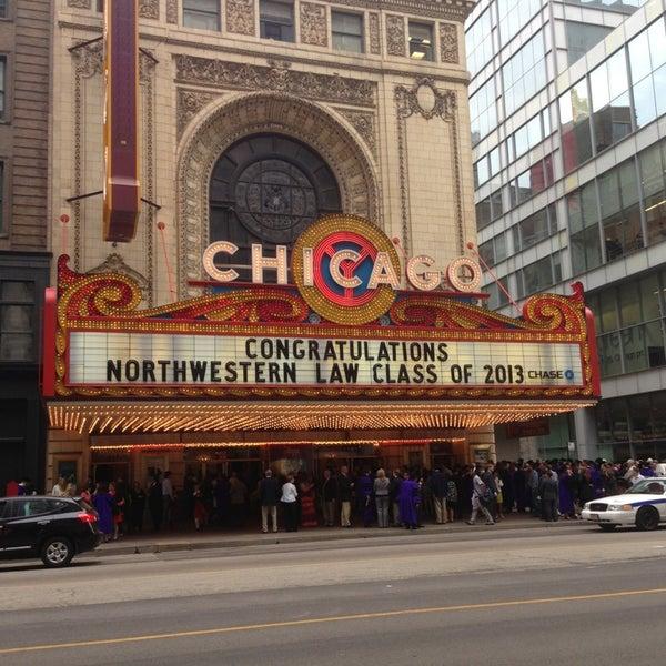 5/17/2013에 Cate C.님이 The Chicago Theatre에서 찍은 사진