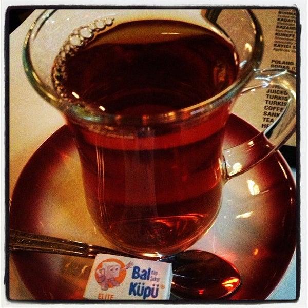 Das Foto wurde bei Taci's Beyti Restaurant von ruth k. am 3/15/2013 aufgenommen