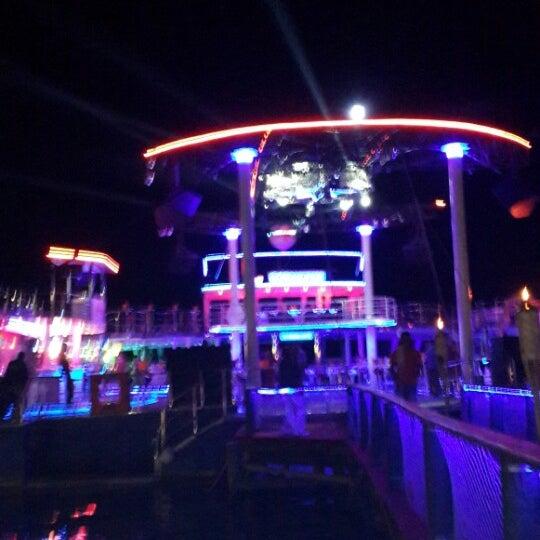 7/4/2013 tarihinde Ferhat Ç.ziyaretçi tarafından Club Catamaran'de çekilen fotoğraf
