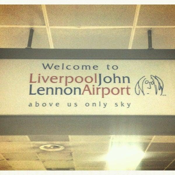 รูปภาพถ่ายที่ Liverpool John Lennon Airport (LPL) โดย Julie B. เมื่อ 5/7/2013