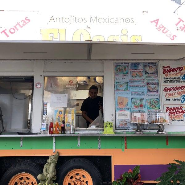 Foto tomada en El Oasis Taco Truck por Kevin L. el 8/1/2018