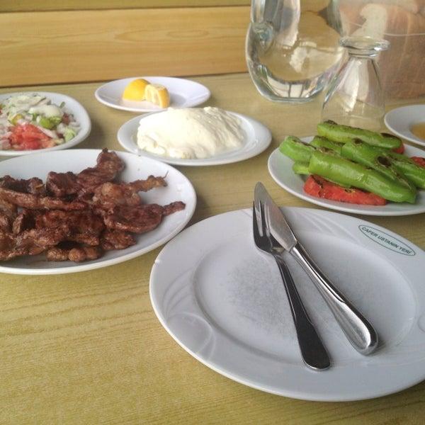 รูปภาพถ่ายที่ Cafer Usta Bolu Dağı Et Mangal โดย Turgay D. เมื่อ 7/4/2013
