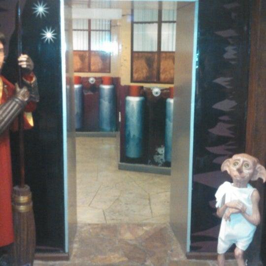 รูปภาพถ่ายที่ Museo de Cera โดย Luis M. เมื่อ 4/14/2013