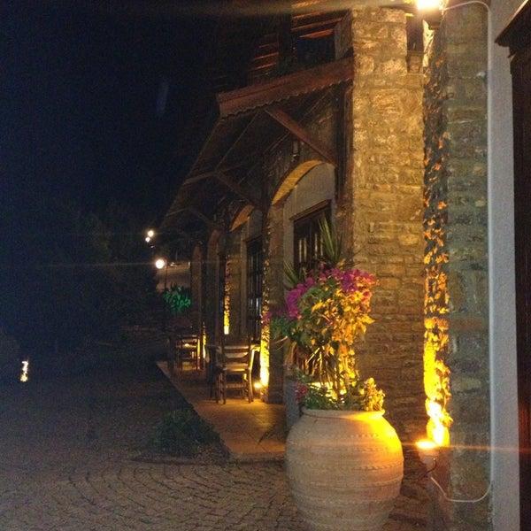 รูปภาพถ่ายที่ Loca Hotel โดย İK เมื่อ 8/22/2013