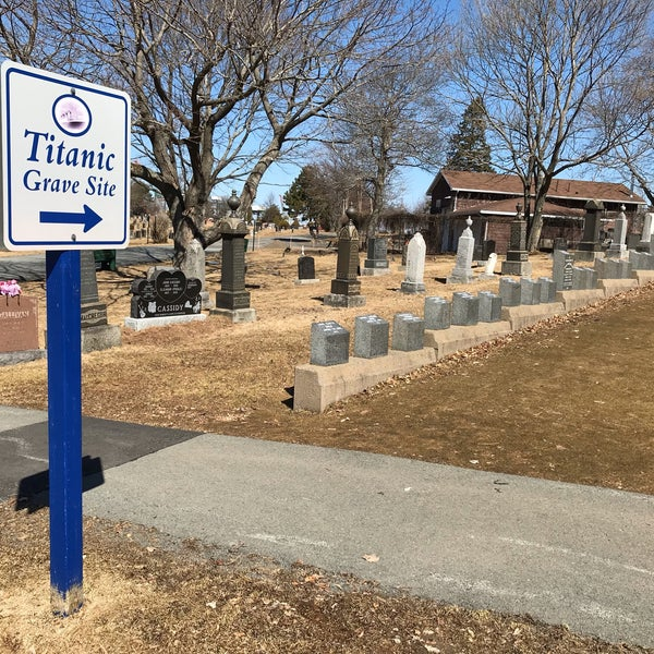 Titanic Graves (Fairview Lawn)