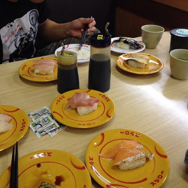 รูปภาพถ่ายที่ スシロー 瀬田店 โดย Go M. เมื่อ 10/6/2013