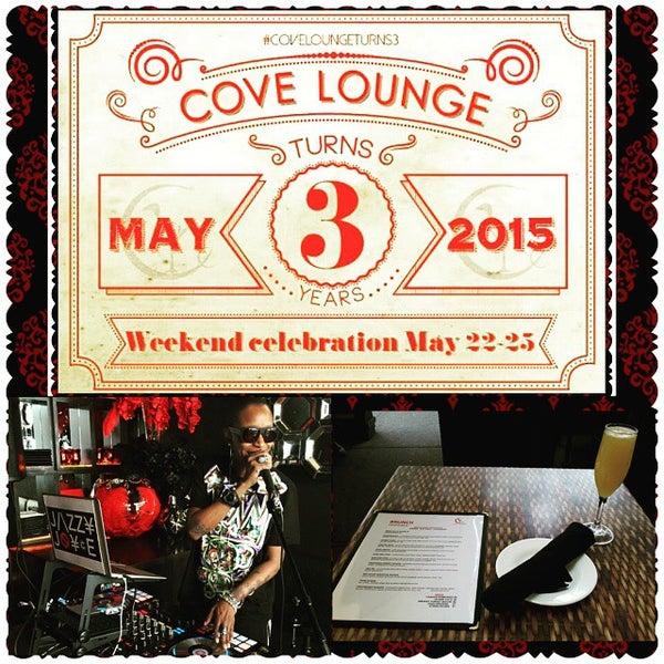 5/24/2015にGregory T.がCove Loungeで撮った写真