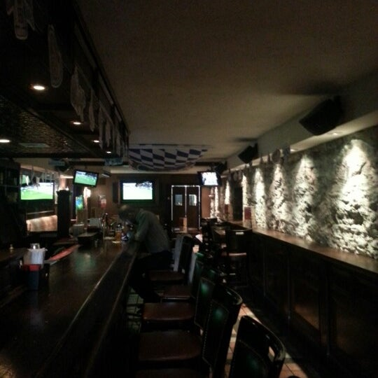 Das Foto wurde bei The House of Brews von Joseph K. am 10/1/2012 aufgenommen