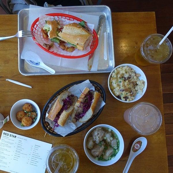 1/16/2015にRestaurant FairyがRed Star Sandwich Shopで撮った写真