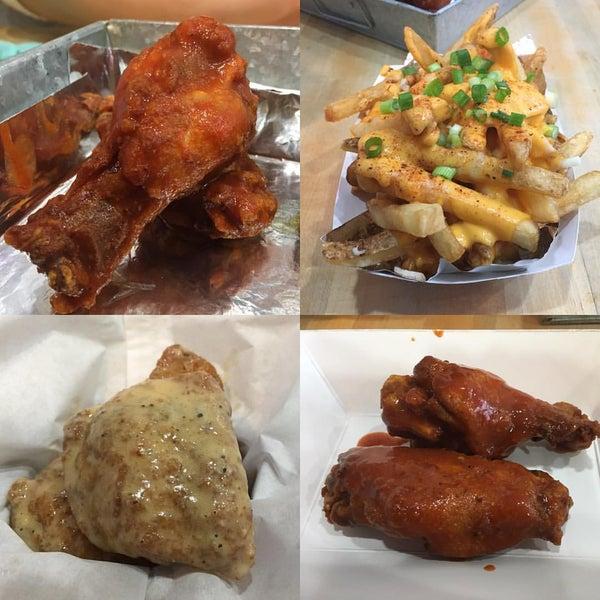 Foto diambil di International Wings Factory oleh Restaurant Fairy pada 2/7/2016