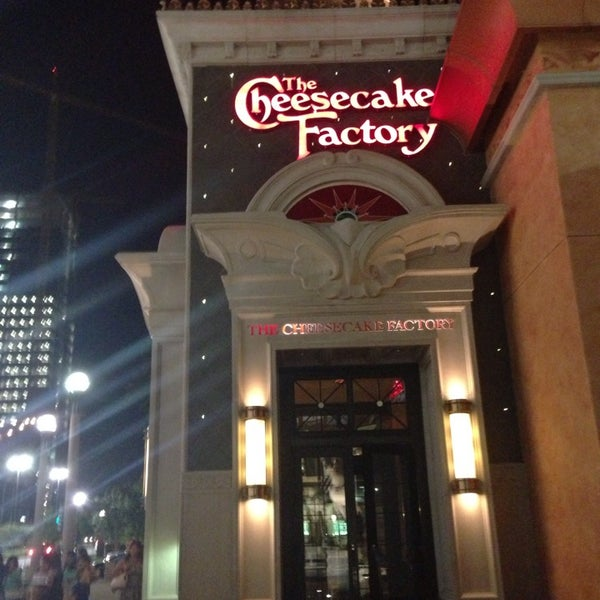 Photos at The Cheesecake Factory - American Restaurant in