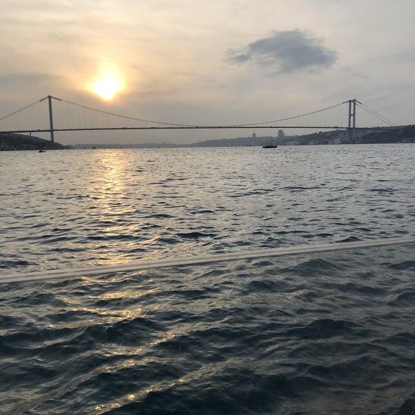 Foto diambil di İnci Bosphorus oleh Derya pada 11/23/2019
