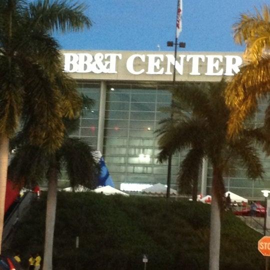 Foto tirada no(a) BB&T Center por Dan D Man em 10/20/2012