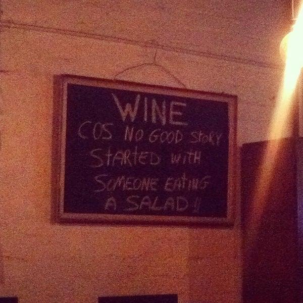 Foto tirada no(a) Zigi's Wine & Cheese Bar por Cristina F. em 4/9/2014