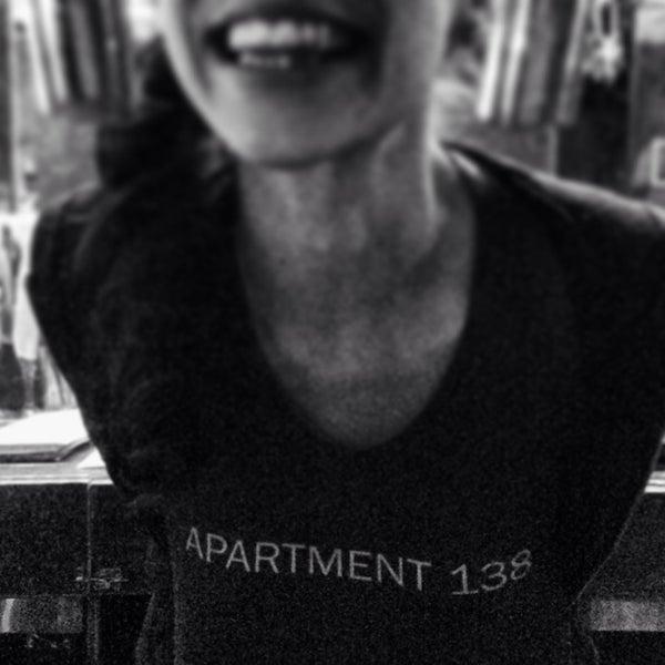 11/25/2013 tarihinde brian b.ziyaretçi tarafından Apartment 138'de çekilen fotoğraf