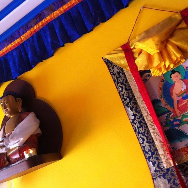 Снимок сделан в Os Tibetanos пользователем Hugo G. 3/11/2013