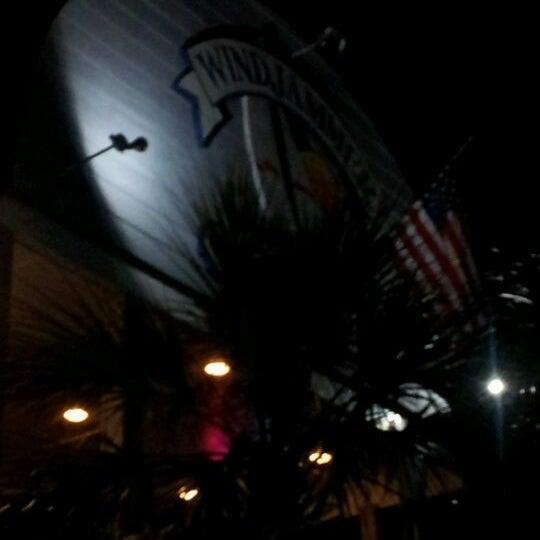 1/29/2012にBrian O.がWindjammerで撮った写真