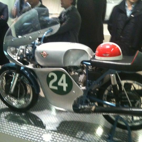 11/11/2011 tarihinde Claudio P.ziyaretçi tarafından Ducati Motor Factory & Museum'de çekilen fotoğraf