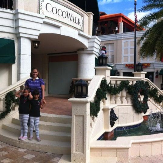 12/20/2011에 Roberto C.님이 CocoWalk에서 찍은 사진