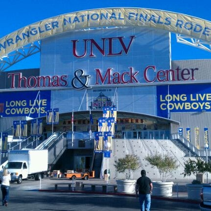 Das Foto wurde bei Thomas & Mack Center von Mitch B. am 11/29/2011 aufgenommen