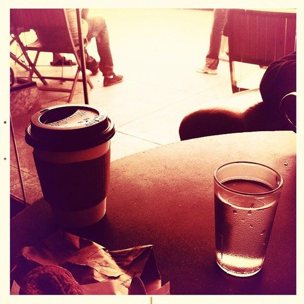 4/22/2012에 Evangeline B.님이 Safeway에서 찍은 사진