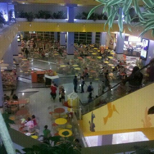 1/2/2012 tarihinde Neandinha O.ziyaretçi tarafından Shopping Center Penha'de çekilen fotoğraf