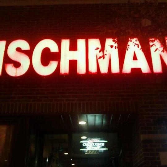 9/11/2011 tarihinde John M.ziyaretçi tarafından Fischman Liquors & Tavern'de çekilen fotoğraf