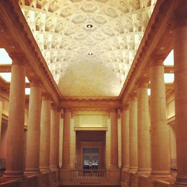 1/27/2012 tarihinde Iron N.ziyaretçi tarafından Asian Art Museum'de çekilen fotoğraf