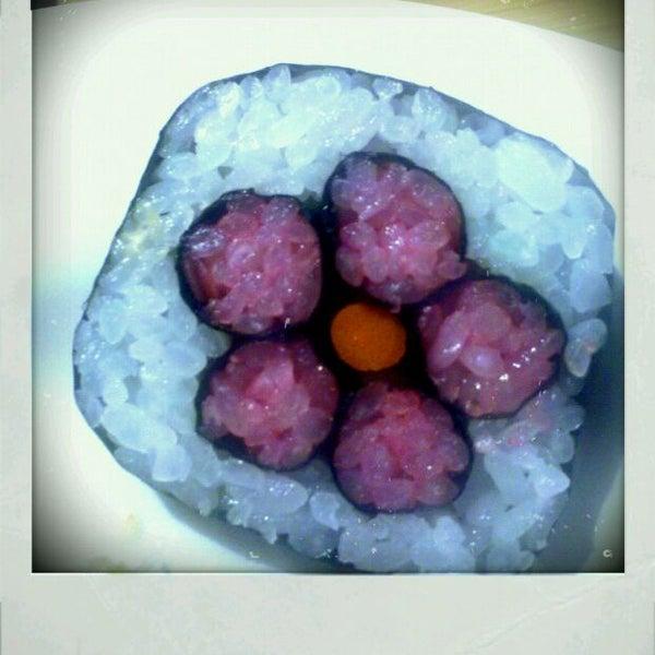 Das Foto wurde bei Mura Japanese Restaurant von Melissa P. am 8/25/2011 aufgenommen