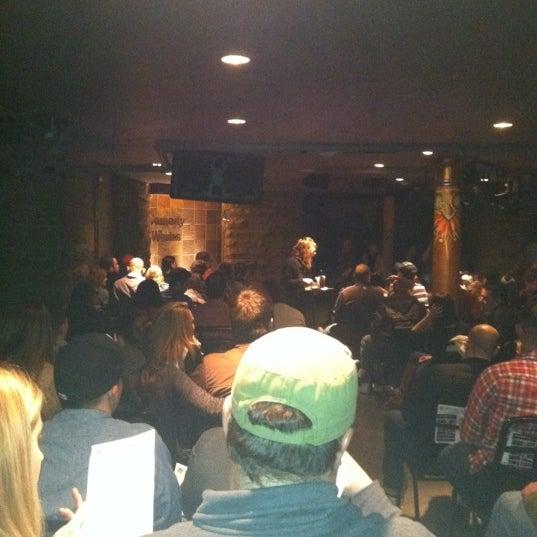 2/26/2012 tarihinde Alex S.ziyaretçi tarafından Comedy Works Downtown in Larimer Square'de çekilen fotoğraf