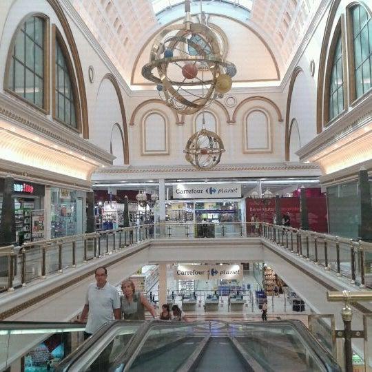 Foto tomada en Centro Comercial Gran Vía 2 por Carles B. el 8/18/2011