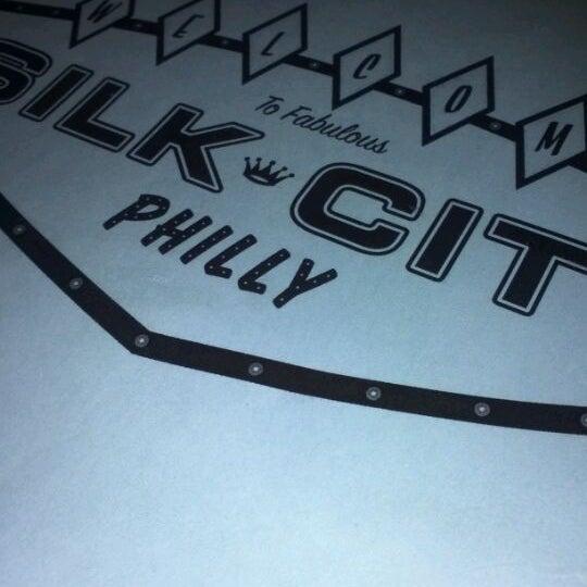 Снимок сделан в Silk City Diner Bar & Lounge пользователем Tasha E. 1/13/2012