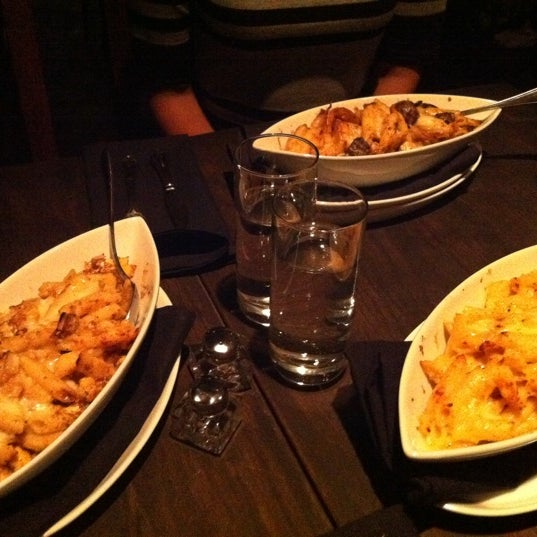 Foto tomada en Beecher's Handmade Cheese por Maya B. el 8/18/2011