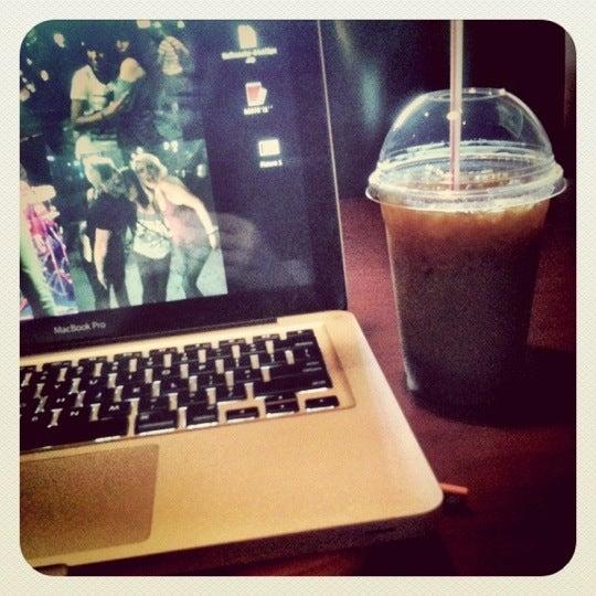 9/14/2011에 Amanda B.님이 Silverbird Espresso에서 찍은 사진