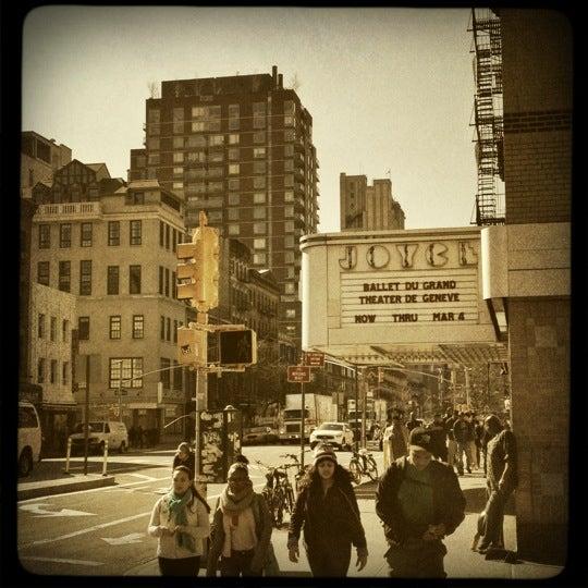 Photo prise au The Joyce Theater par Sara S. le2/28/2012