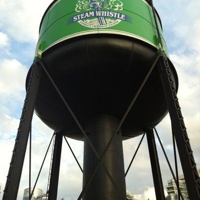 7/27/2012 tarihinde Michael B.ziyaretçi tarafından Steam Whistle Brewing'de çekilen fotoğraf