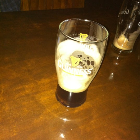 Foto scattata a The Old Triangle Irish Alehouse da Tyler G. il 5/11/2012