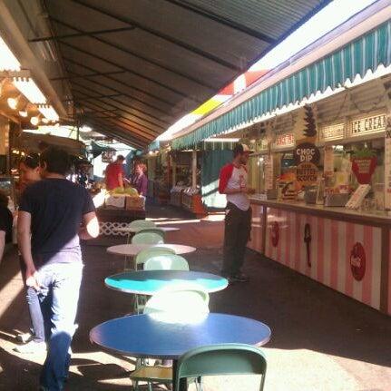 Photo prise au The Original Farmers Market par Oscar K. le3/15/2012