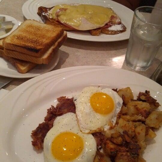Photo prise au Morning Star Cafe par Valentin L. le7/22/2012