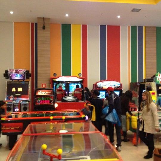Das Foto wurde bei Shopping Campo Limpo von Felipe A. am 7/16/2012 aufgenommen